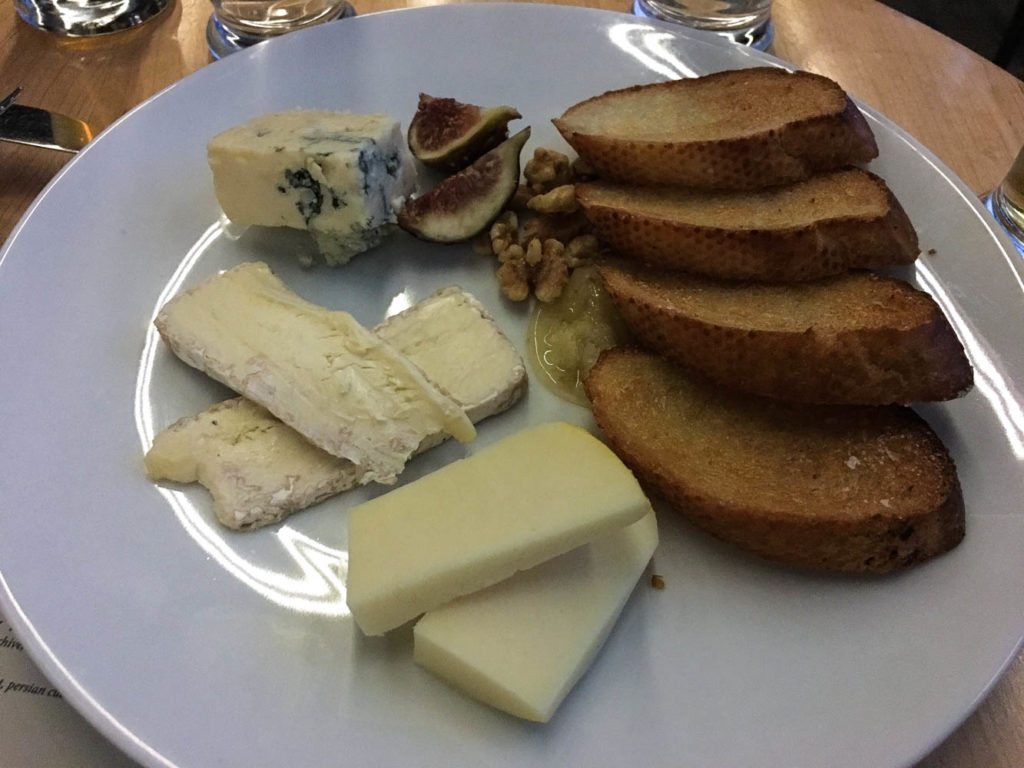 The Cheese Plate from Standby in Detroit, MI includes a variety of sheep's, cow's, and goat's cheeses, honeycomb, fig, walnut, and toasted crostini. Find the full post at www.thebite2night.com